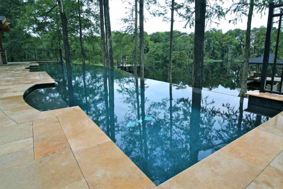 What are Infinity Edge Pools And Why Are The Designs So Popular?